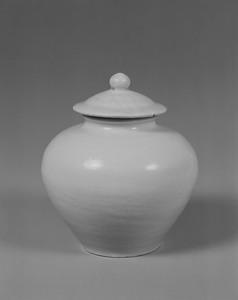 白磁壺(有蓋)