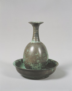 Pitcher of Ōji type (egg-shaped body) with Plate