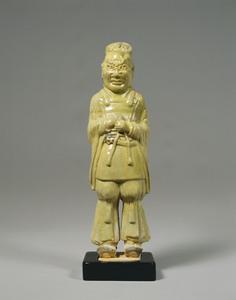 黄釉武人俑