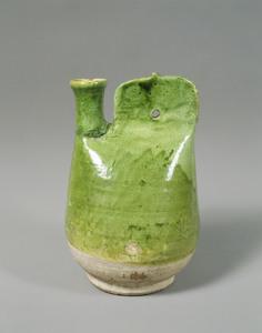 緑釉鶏冠壺