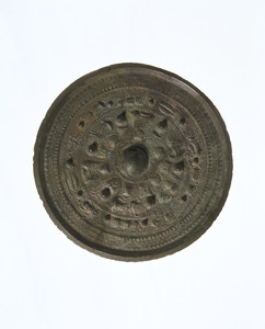 Mirror (Excavated from Samida Takarazuka tumulus, Nara)