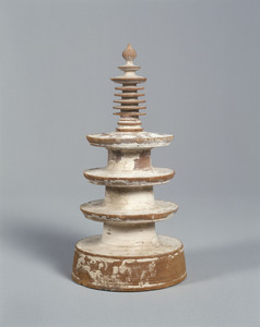 Three-storied miniature stūpa called Hyakumantō and Dhāraṇī sūtra