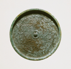 Mirror with Design of Flowering Plants and Birds (Place of excavation unknown)